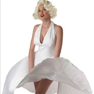 Women's Deluxe Marilyn Costume Sz M